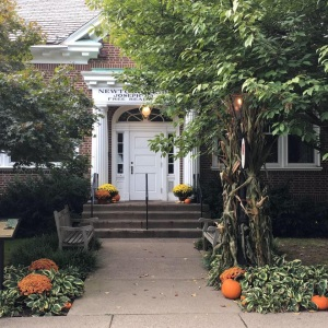 nlc-bldg-fall-pumpkins-mums-cornstalks
